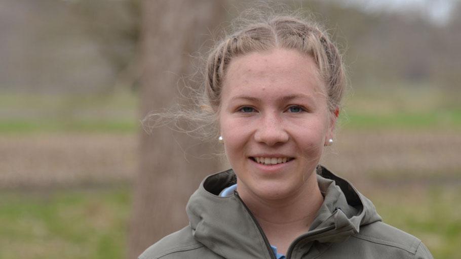 Amélie Steensen, Präsidentin des Interact Clubs Quickborn, ruft zu einer Müllsammel-Aktion auf