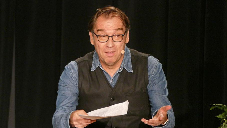 """Der Schauspieler Albrecht Ganskopf, bekannt aus der ZDF-Reihe """"Nachtschicht"""", ließ die Zuschauer in das Leben Richard Taubers eintauchen."""