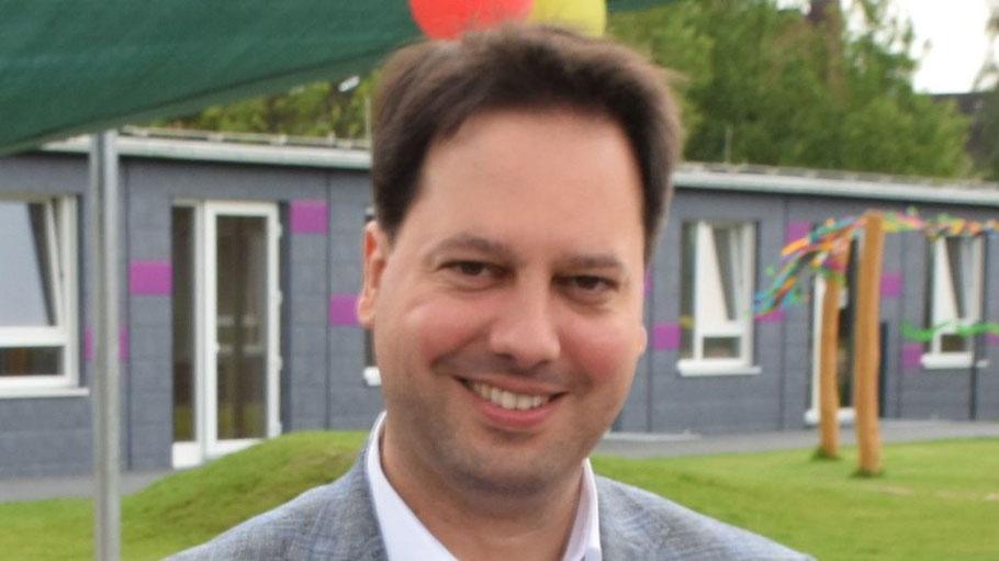 Ratsherr  Eike Kuhrcke setzt sich für bessere Radwege in Quickborn ein