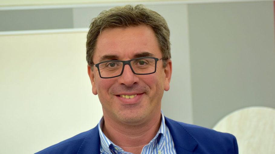 Geschäftsführer Dr. Panagiotis Memetzidis erläuterte die Sicherheitsmaßnahmen der Stadtwerke Quickborn
