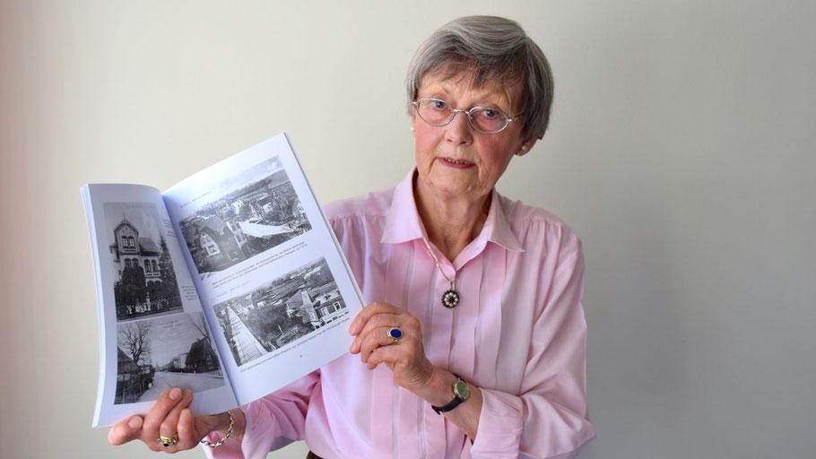 Irene Lühdorff, Leiterin der Geschichtswerkstatt wird über die Geschichte der Kieler Straße berichten