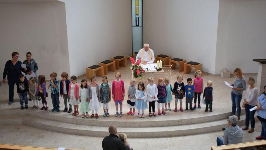 Die Kinder standen im Mittelpunkt des Gottesdienstes zur Verabschiedung aus dem katholischen Kindergarten.