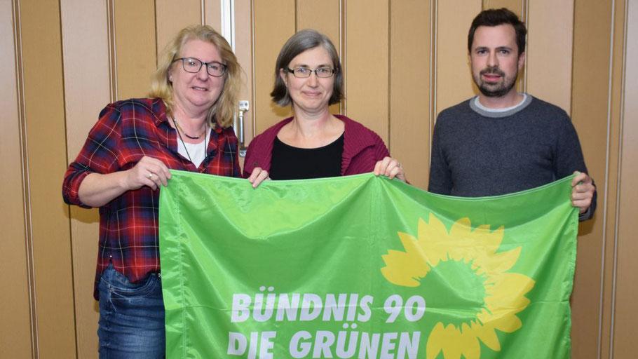Der neue Vorstand des Grünen-Ortsverbandes: Die 1. Vorsitzende Anke Thomsen, die 2. Vorsitzende Pamela Masou und Kassenwart Simon Schanz.