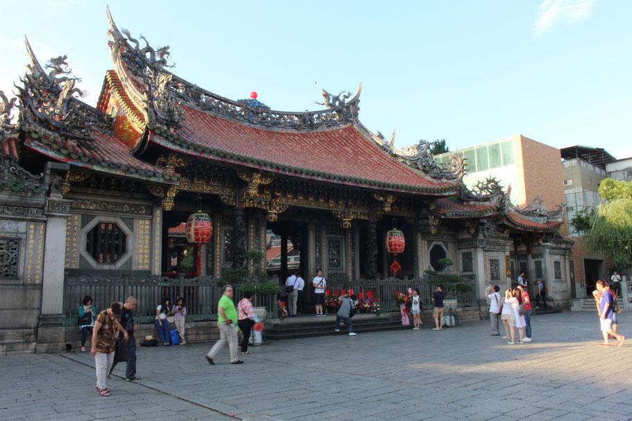 Longshan Temple, Taipei.