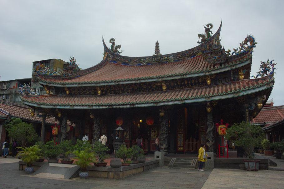 Dalongdong Baoan Temple, Taipei.