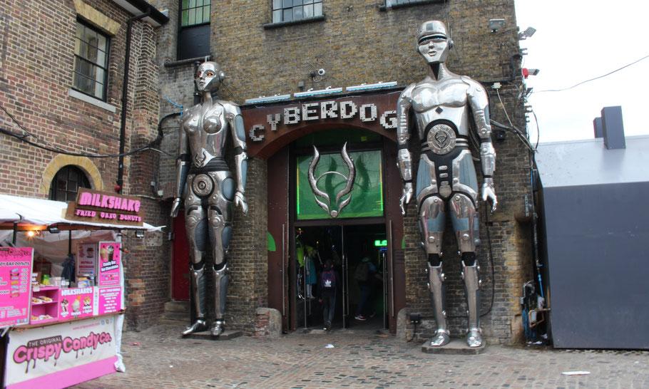 Le Cyberdog au Camden Market.
