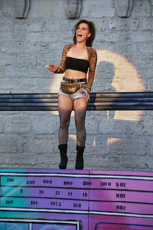 """Julia Waldmeyer als """"Carmen Diaz"""" © Die Foto-Maus/Hillebrecht"""