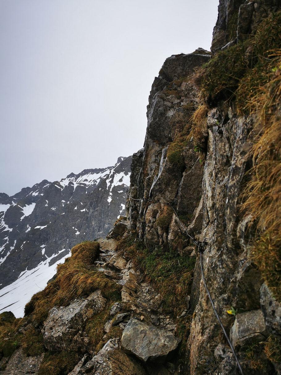 Felsige und teilweise ausgesetztes Gelände