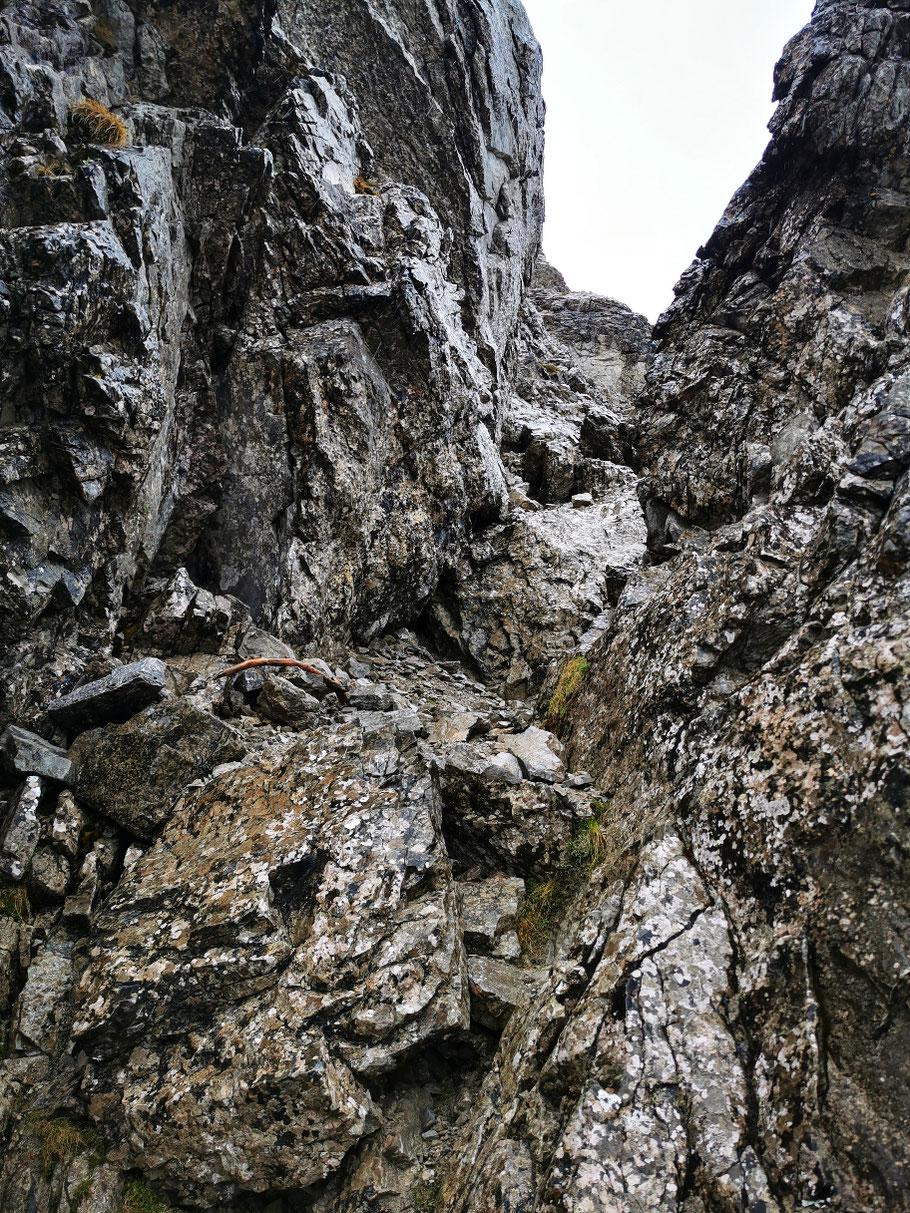 Kraxelei im Gipfelbereich des Entschenkopf