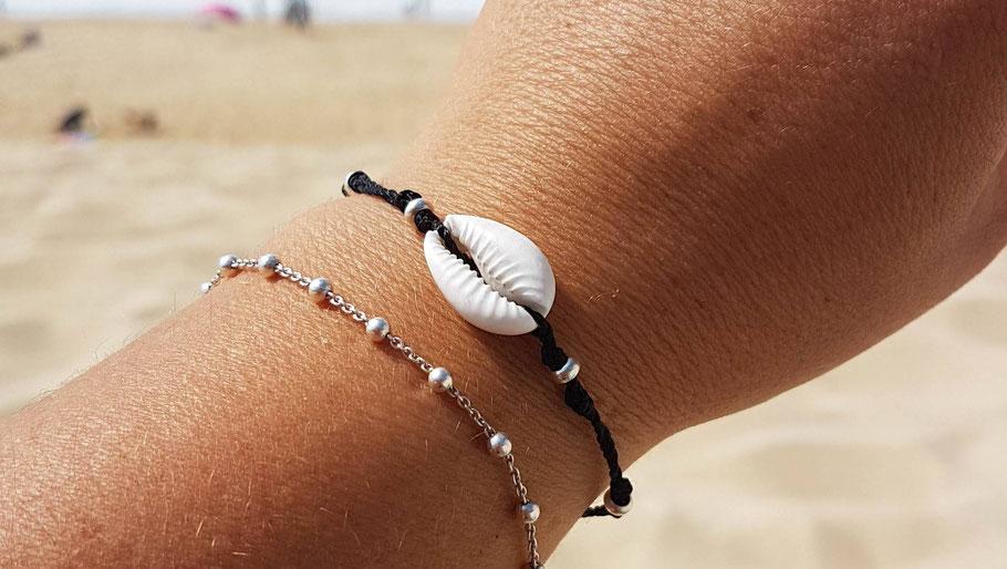 Bracelet coquillage cauri sur cordon et perles en argent