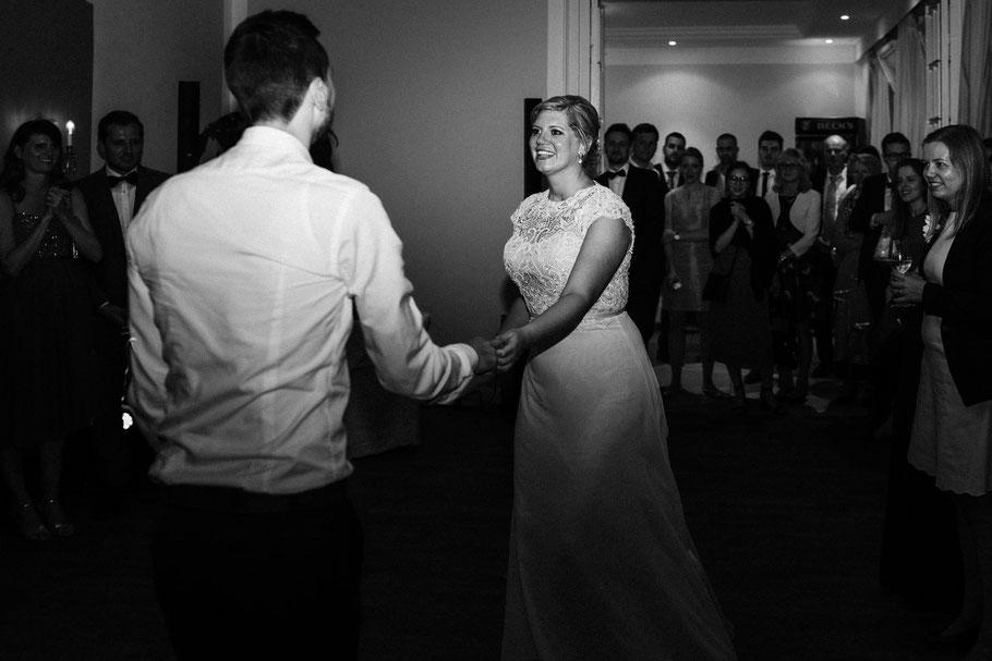 Hochzeitstanz Braut Bräutigam