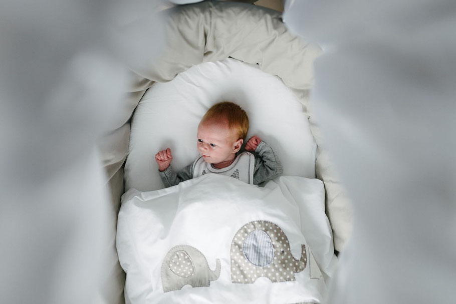 Babyfotografie Newborn rote Haare