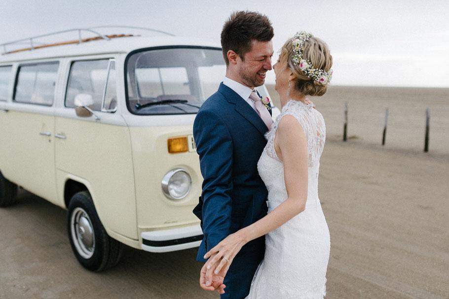 T2 Hochzeit Kuss Sankt Peter Strand