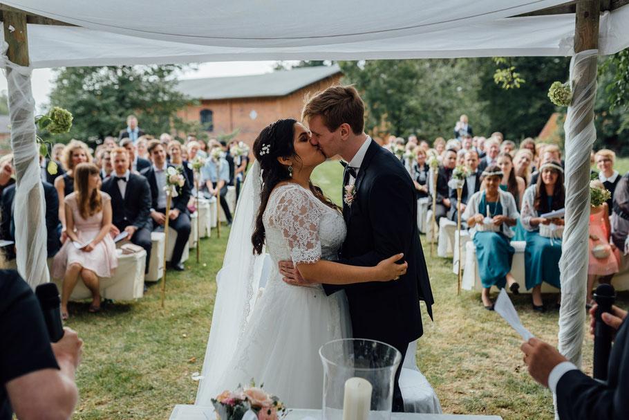 Love liebe Kuss Hochzeit