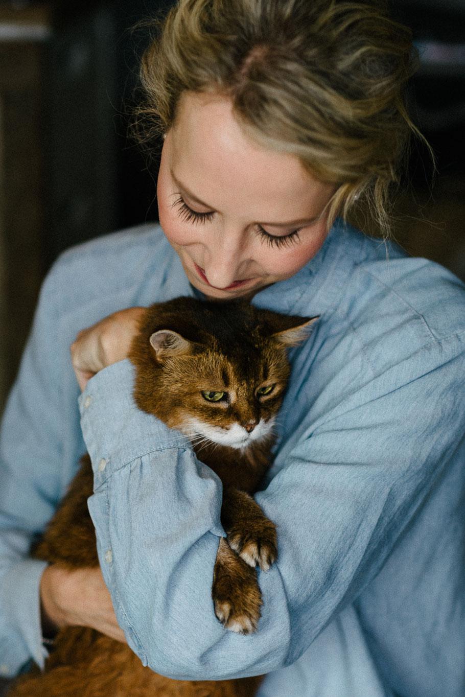 Katze sicher Braut Kuscheln