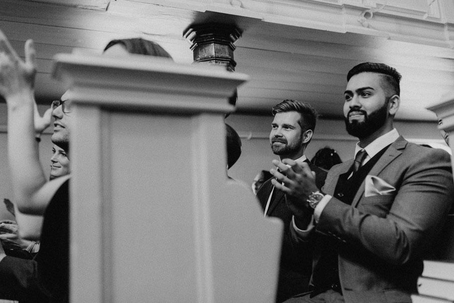 Fotografie in der Kirche glücklich Applaus