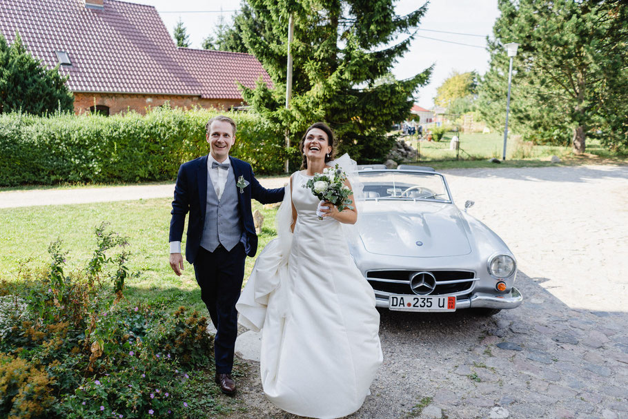 Braut Bräutigam Kleid Mercedes