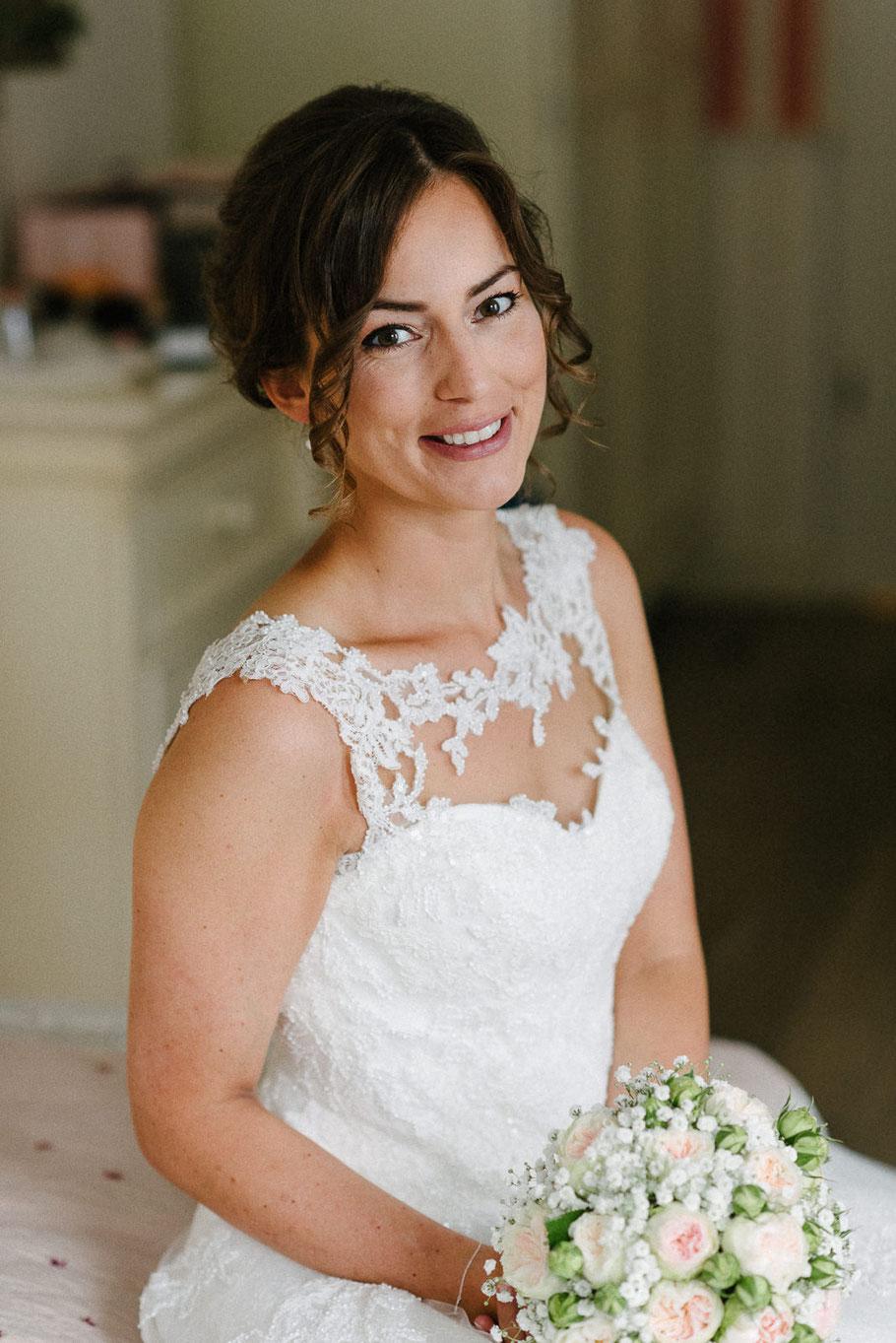 Brautportrait hübsch Strauß