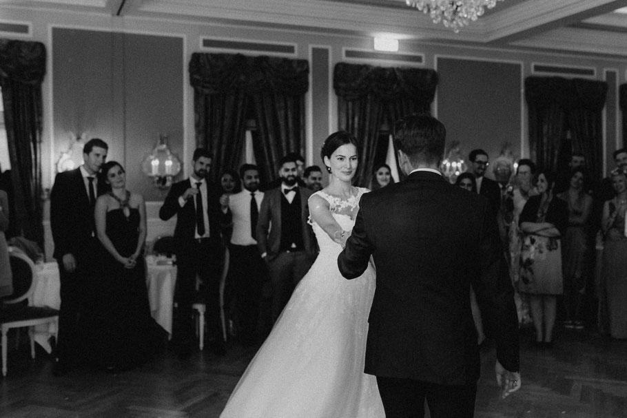 Tanz Frau Braut Kleid