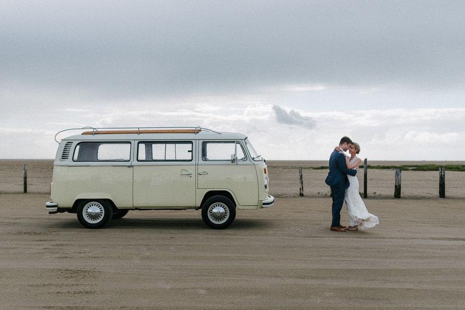 VW Bus Strand Hochzeit Sankt Peter