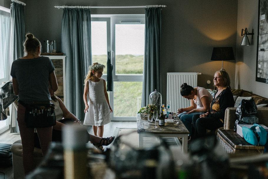 Kinder Blumen Hotelzimmer Hochzeit