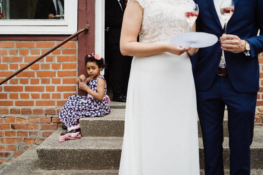 Kind Linien Hochzeit Hamburg Reportage