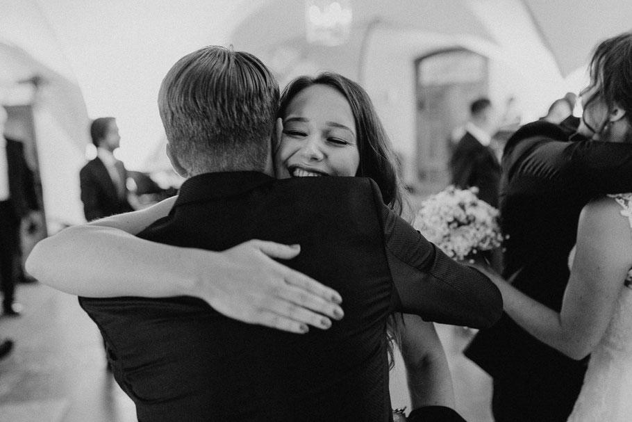 Umarmen Hochzeitsfeier