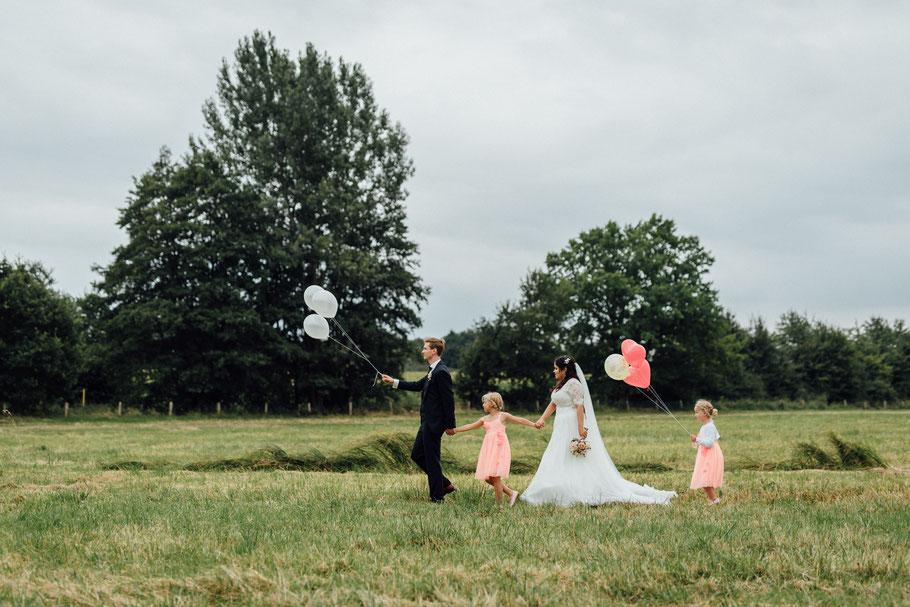 Unterwegs mit den Kindern Hochzeit Luftballon