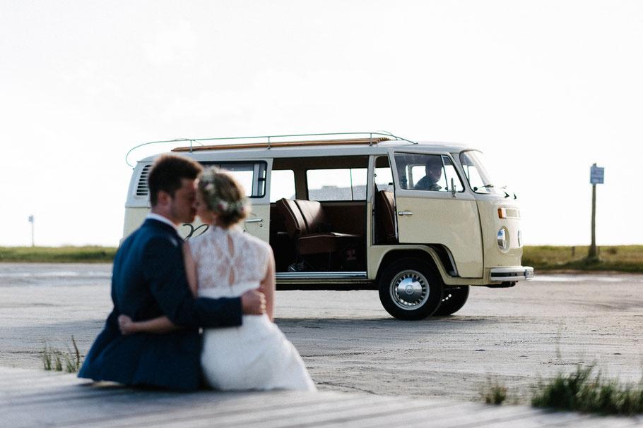 VW Bus Strand Hochzeit T2 Sonne