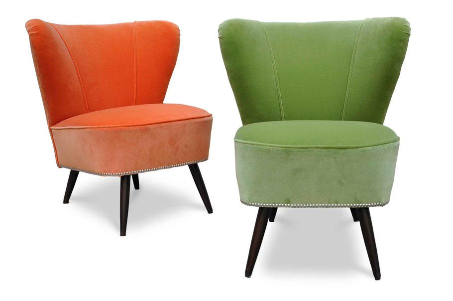 Poltroncine cocktail chair vintage rifoderate in velluto di cotone Dedar e rifinite con chioderia cromata; sono disponibili altre poltroncine da rifoderare, contattaci.