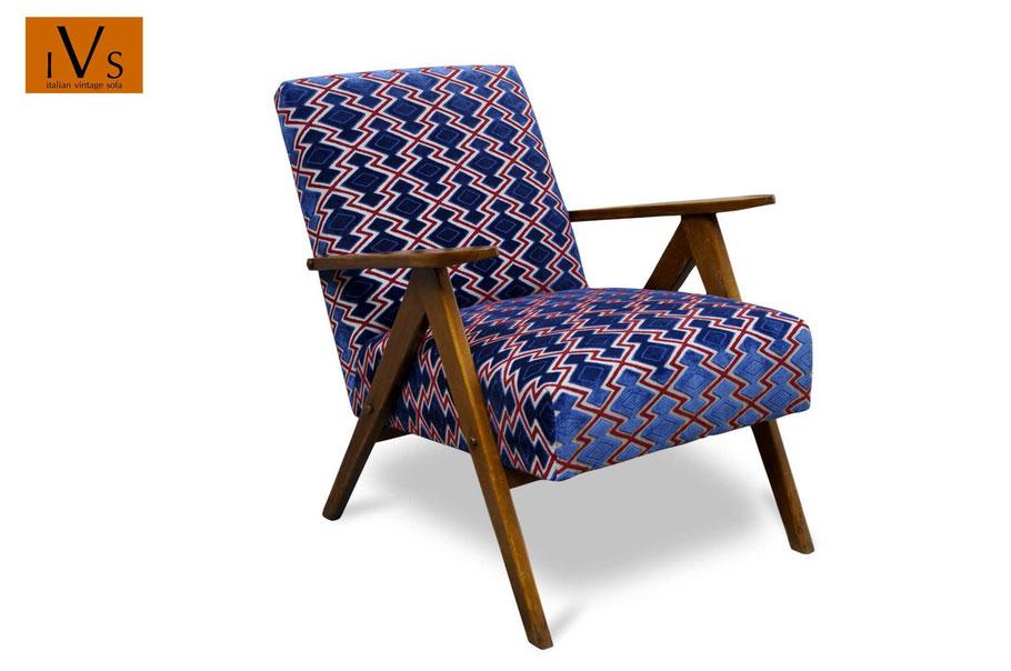 Poltroncina vintage restaurata da www.ateliercaruso.it - clicca per lo shop online