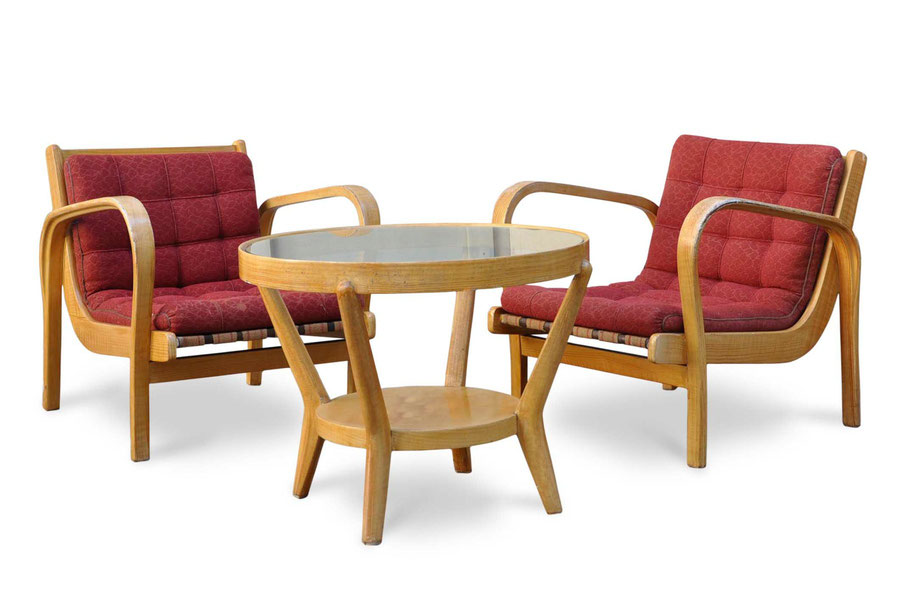Clicca per accedere allo shop online delle poltrone tardo deco in faggio curvato e tavolino in rovere e cristallo