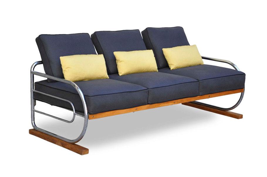 Clicca per accedere allo shop online del divano Bauhaus funzionalista restaurato