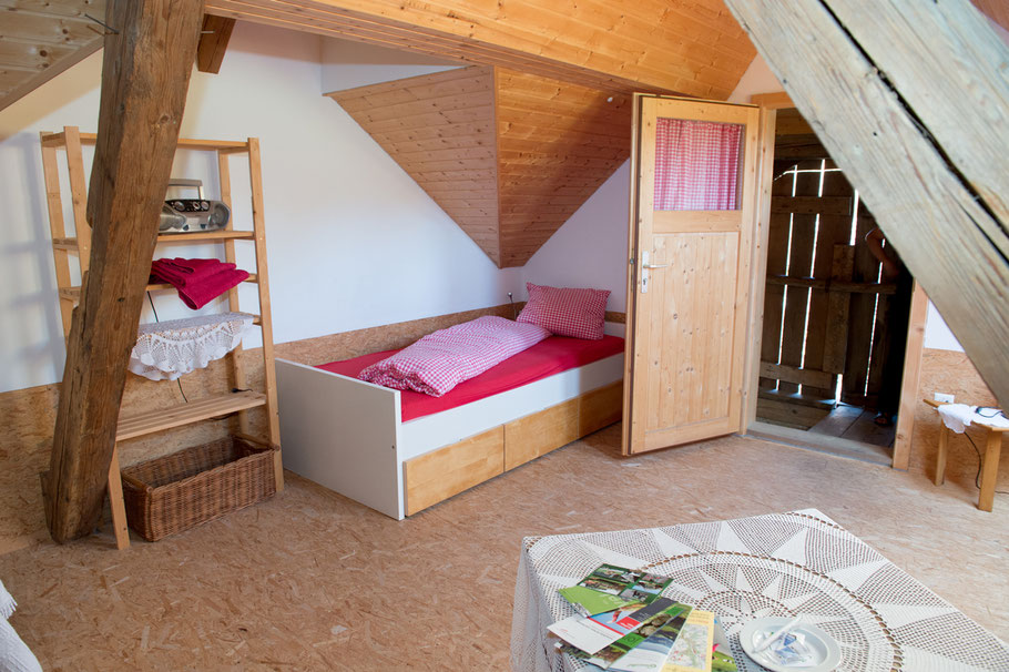 Preise Übernachtung - Übernachten auf dem Jordi-Hof - Jordi-Hof Bewirtung und Übernachtung auf dem Bauernhof in Ochlenberg