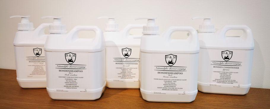 DM4U-D&M-natuurlijke-dierverzorging-hond-honden-pup-puppy-shampoo-hondenshampoo-conditioner-parfum-parfume-zalf-verzorgende-2000ml-5000ml-trim-trimsalon-hondensalon-groom-grooming-dog