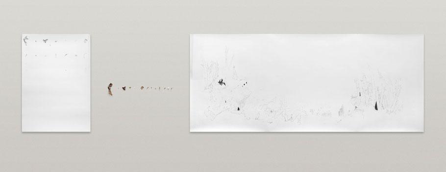 """[ Colecciones ] Instalación compuesta por dos dibujos y la colección de objetos que han servido como referente, recolectados en la feria """"Arco 2018"""". 100 x 350 cm."""