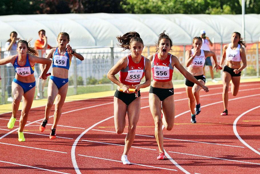 Schlussläuferin Elisa Mayer - Nummer 555 (Bild: Patrick Schmutz)