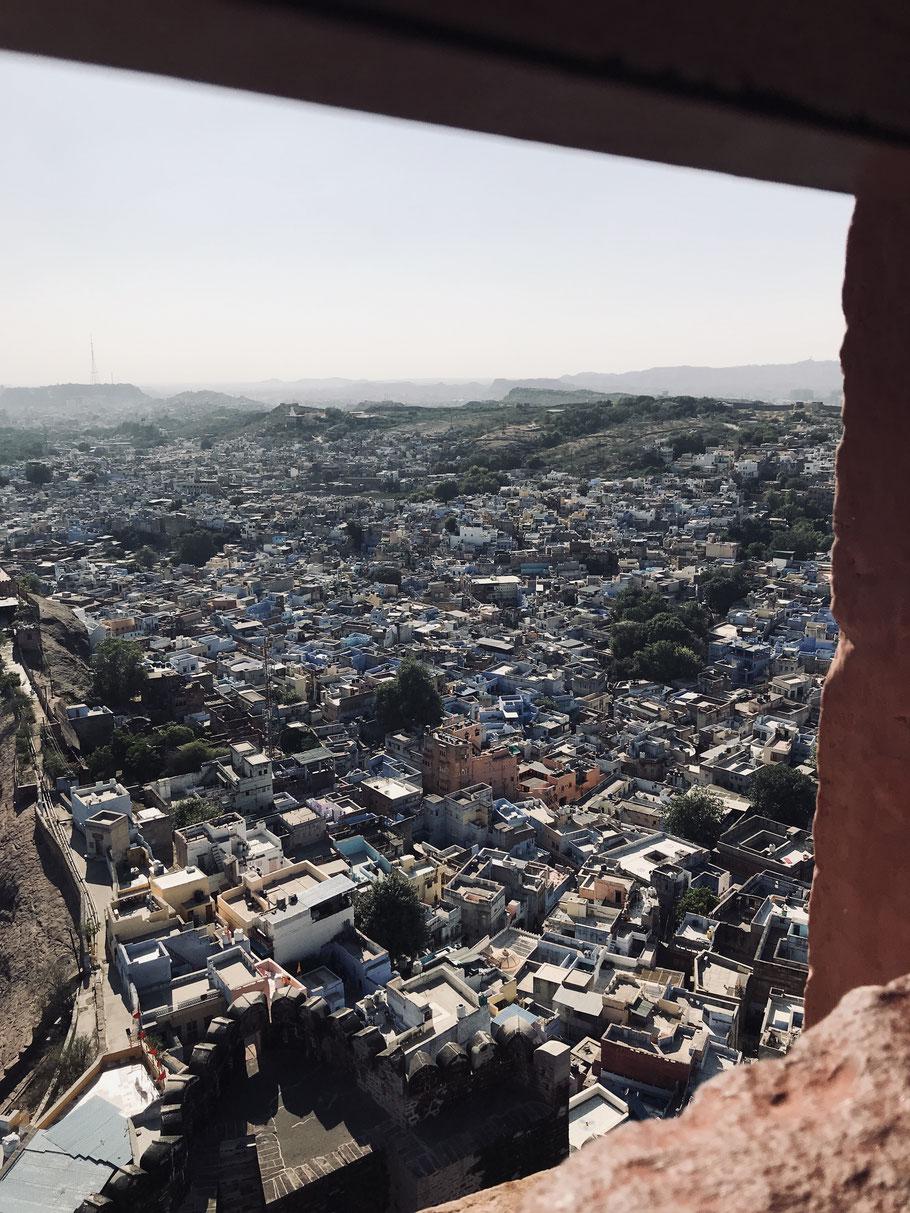 Blick auf die blaue Stadt