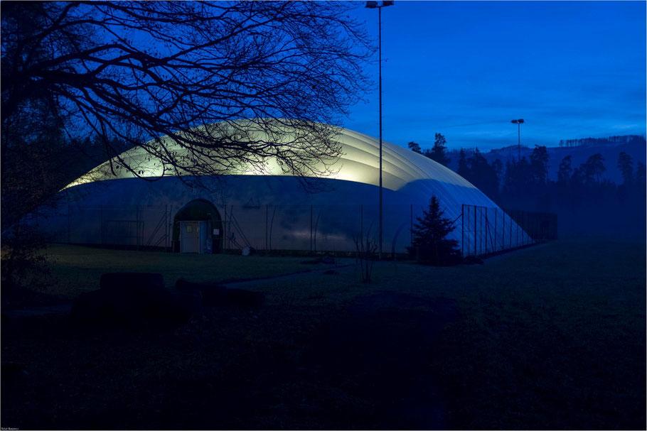 In.Betrieb, Tennishalle Würenlos, 31. Dezember 2013, X100s