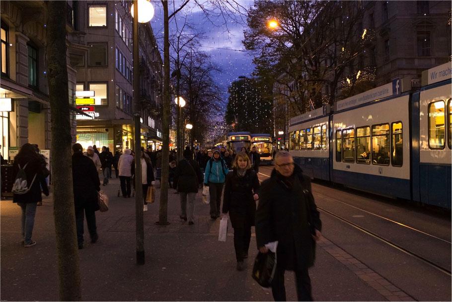 Zürich, Bahnhofstrasse, November 2013, X100s