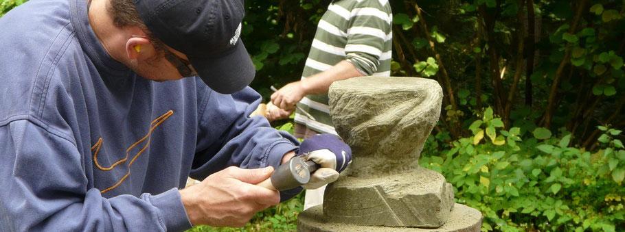 Sandstein, Steinmetz, Hammer, Meißel, Räucherschale