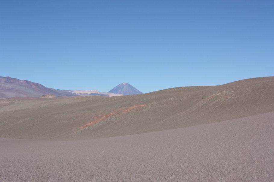 Vemos el cono del Volcán, pero nos faltaba mucho para llegar