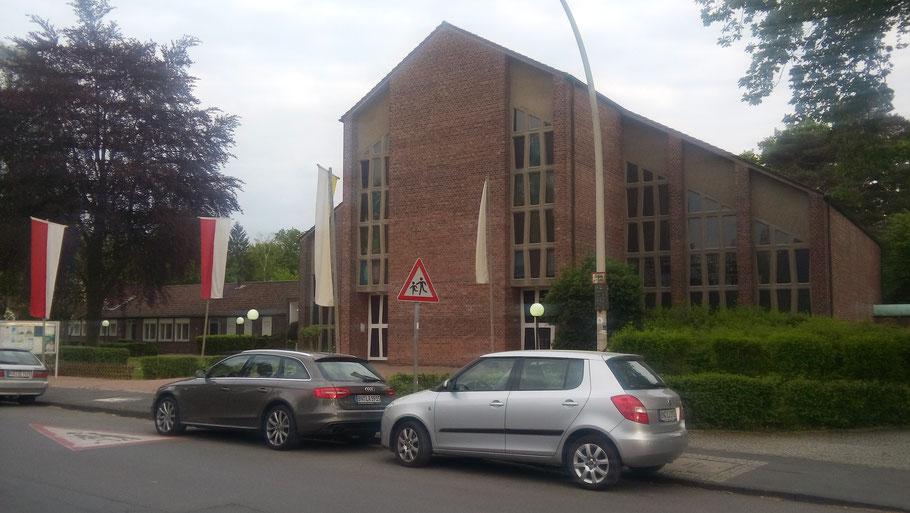 Pfarrzentrum und Pfarrkirche Heilig Geist in Bonn-Venusberg