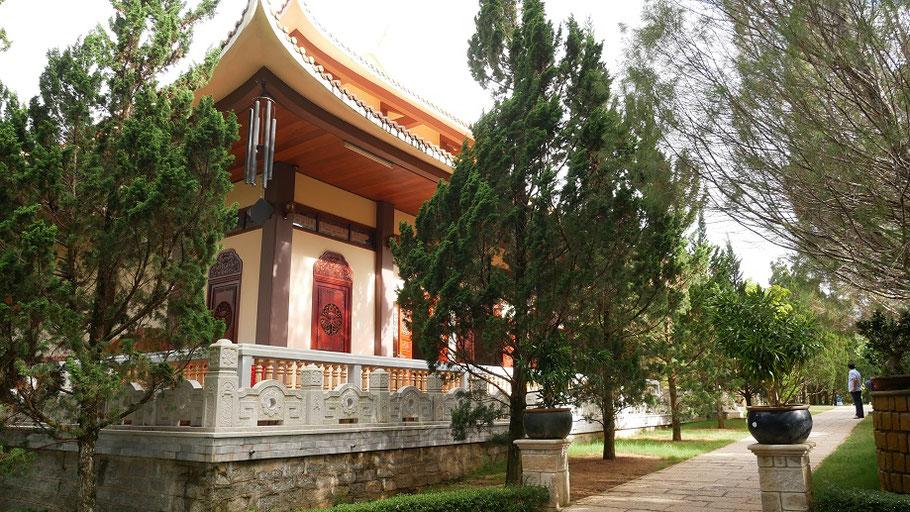 Un joli temple, au sein d'un parc dont je ne me souviens pas du nom car je suis nulle.