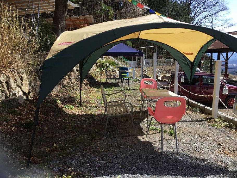 デイキャンプを楽しめるテントも2か所ご用意、家族でゆっくりと楽しめます。詳細についてはご相談ください。