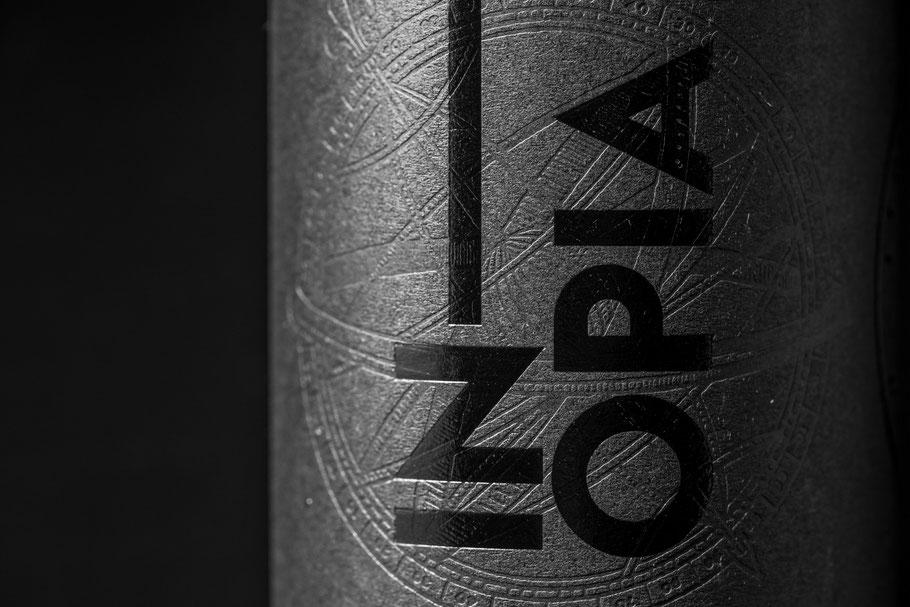 Inopia Vin rouge d'assemblage de Merlot et Cabernet Franc élevé deux ans en barrique de chêne. Vin non-filtré, non-collé, vin d'artisan.