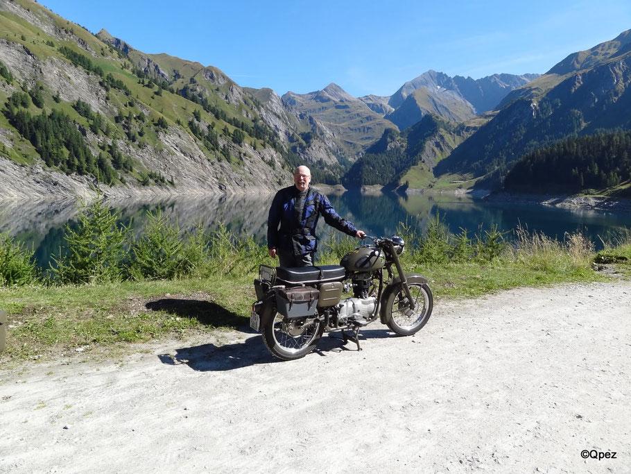 Mit 65 Jahren. Unterwegs  mit Condor A 250 am Lago di Luzzone.