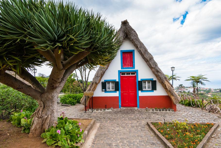 Huisjes van Santana, casas de colmo  in het portugees