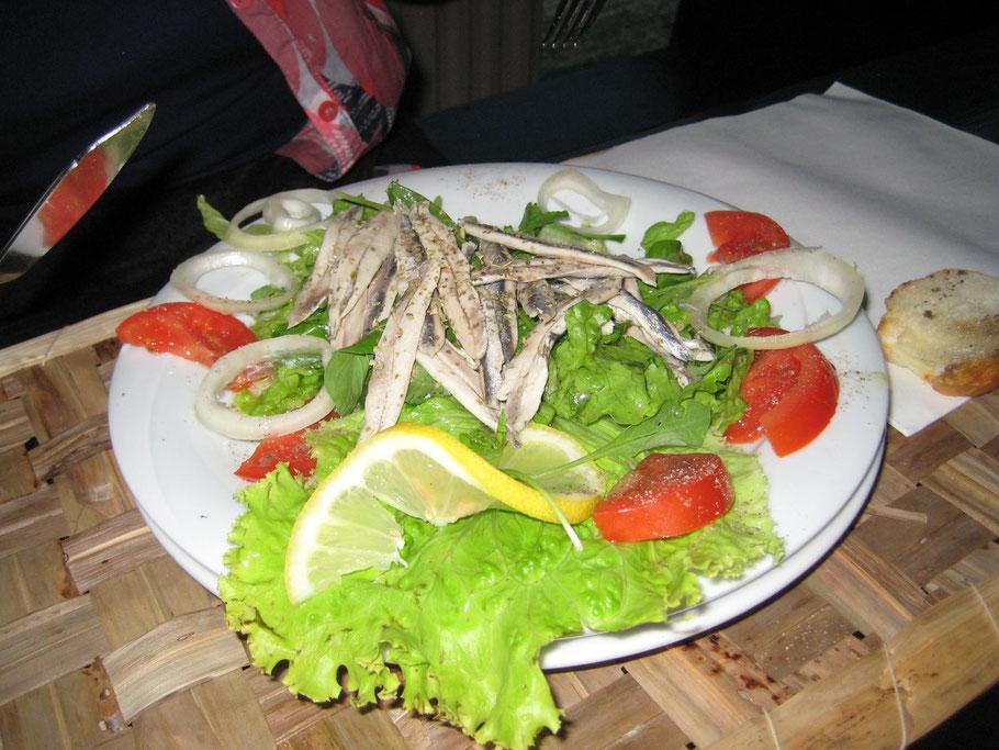 Salat mit Sardellenfilet