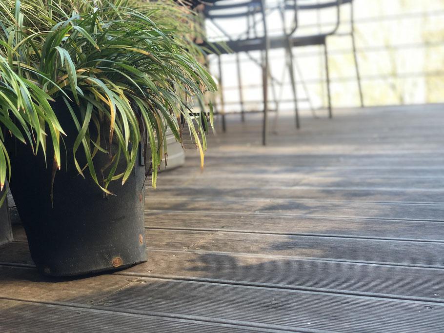 Nettoyer sa terrasse en bois - Marguerite Ferry - Urban Garden Designer - Brussels - Blog Jardin Belgique